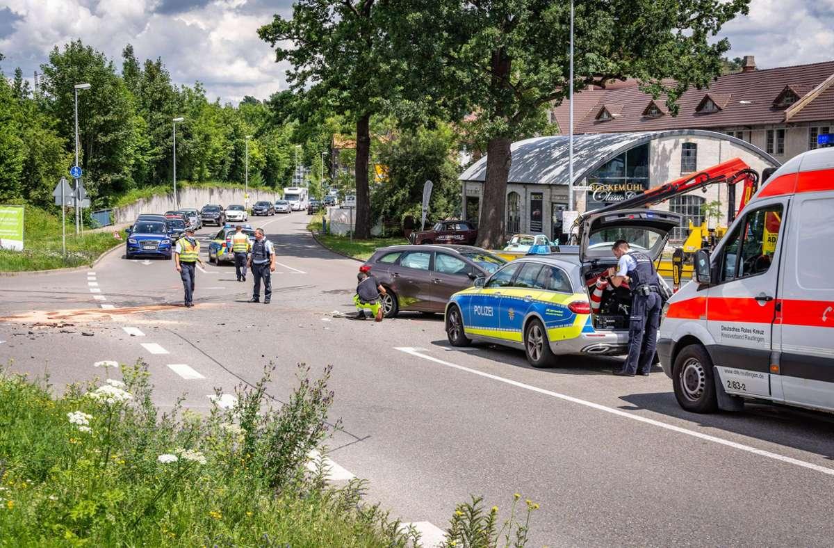Bei dem Unfall werden insgesamt sechs Personen verletzt. Foto: 7aktuell.de/Moritz Bassermann