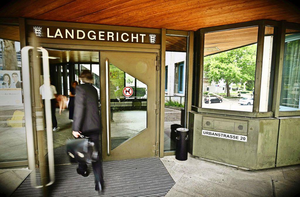 Im Landgericht geht es um den Vorwurf des versuchten Totschlag. Foto: Weingand / STZN