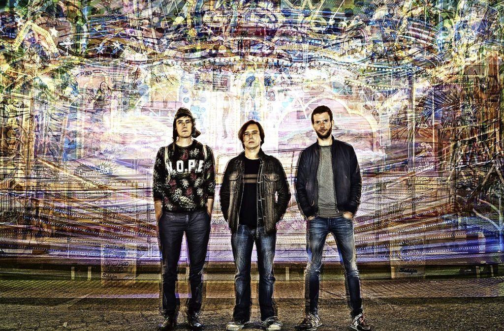 Die Band Hawelka:  Jan Georg Plavec, Petr Novak und Christian Seyffert (von links) treten am 16. Februar im KKT auf. Foto: