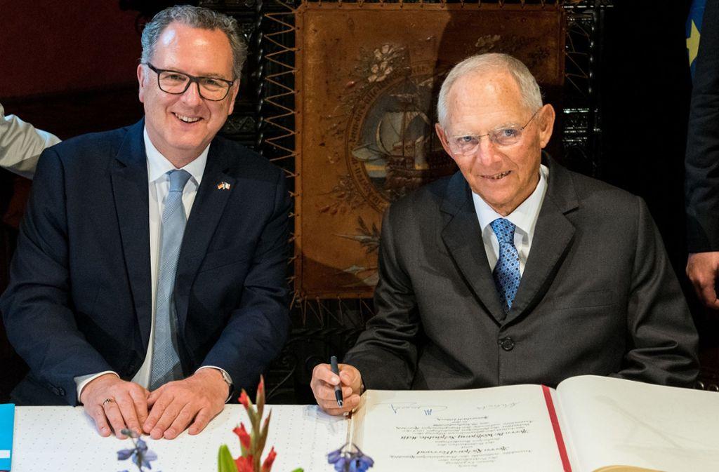 Im Herbst 2018 berieten  die Präsidenten Richard Ferrand und Wolfgang Schäuble noch über eine Kooperation von  Nationalversammlung  und Bundestag  –  heute ist sie Realität. Foto: dpa/Daniel Bockwoldt