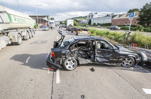 20-Jähriger BMW-Fahrer bei Überholmanöver verletzt