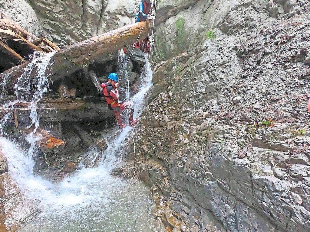 Der 49-Jährige ist vermutlich beim Canyoning gestürzt und hat sich dabei tödlich verletzt (Symbolbild). Foto: Schwarzwälder Bote