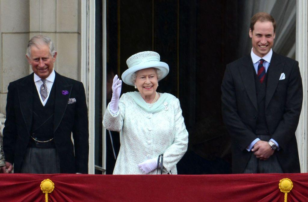 Großbritannien: Königin Elizabeth II. zeigt trotz ihres stolzen Alters von 93 Jahren keine Anzeichen von Amtsmüdigkeit. Sie ist so populär wie nie zuvor. Foto: dpa