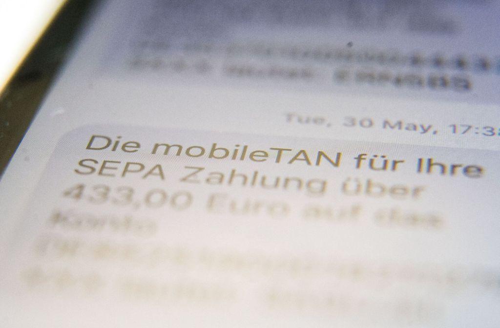 Für Überweisungen und Daueraufträge wird beim Online-Banking eine Transaktionsnummer (TAN) benötigt. Foto: dpa