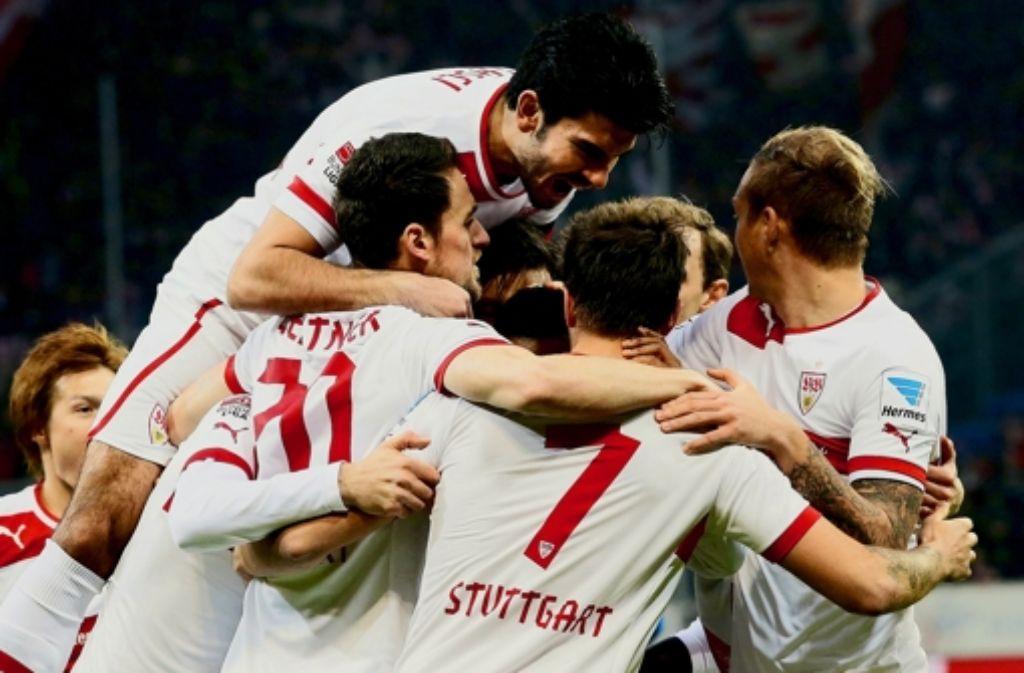 Große Erleichterung beim VfB nach dem Sieg in Hoffenheim. Foto: Baumann