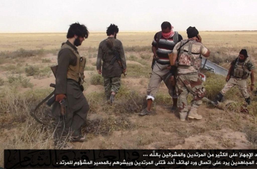 Die Terrormiliz Islamischer Staat hat offenbar Lösegeld für eine deutsche Geisel erhalten. (Archivbild) Foto: dpa