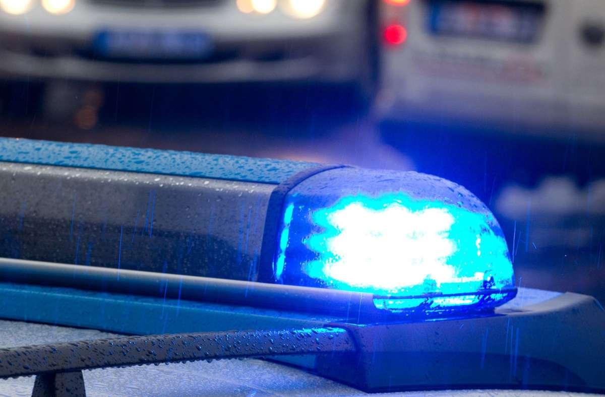 Die Polizei sucht nach dem Vorfall Zeugen. Foto: dpa/Friso Gentsch