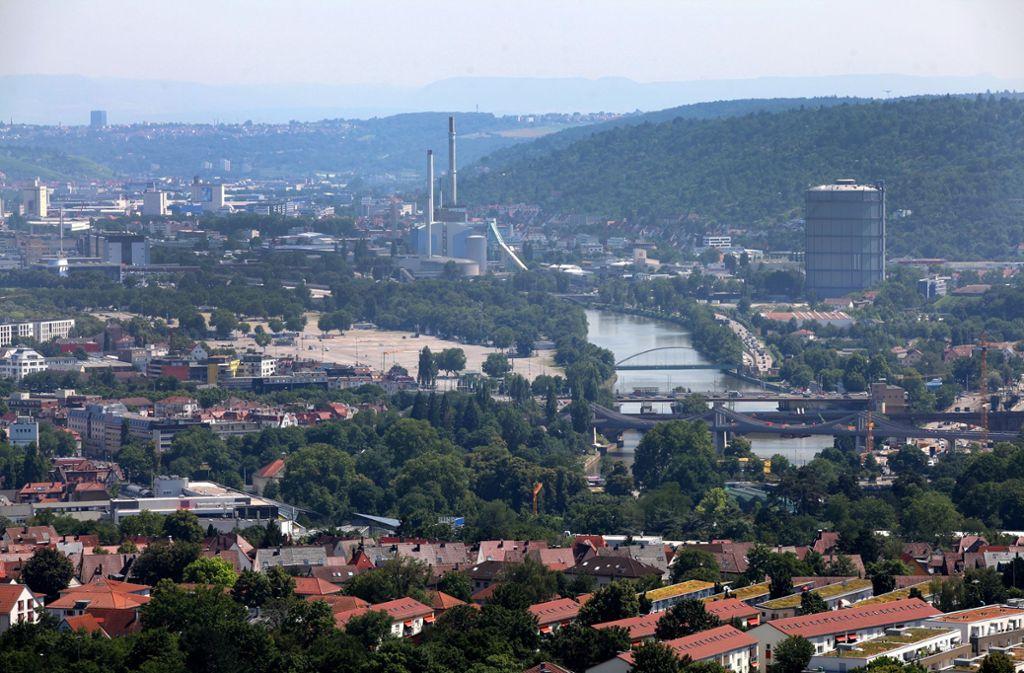 Vom Aussichtsturm am Burgholzhof sieht man viel von der Stadt. Foto: Lichtgut/Jan Reich