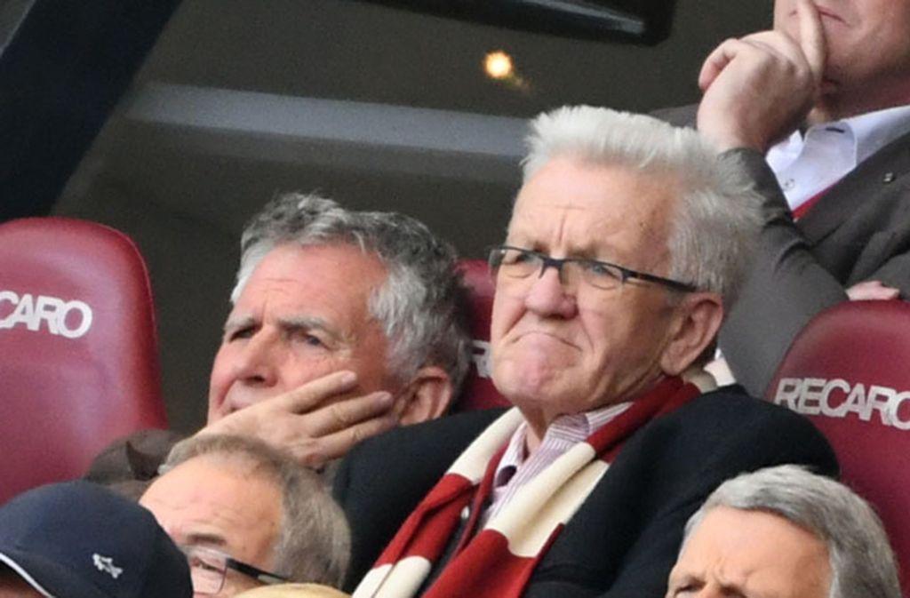 In guten wie in schlechten Zeiten: Winfried Kretschmann ist bekennender Fan des VfB Stuttgart. Foto: dpa
