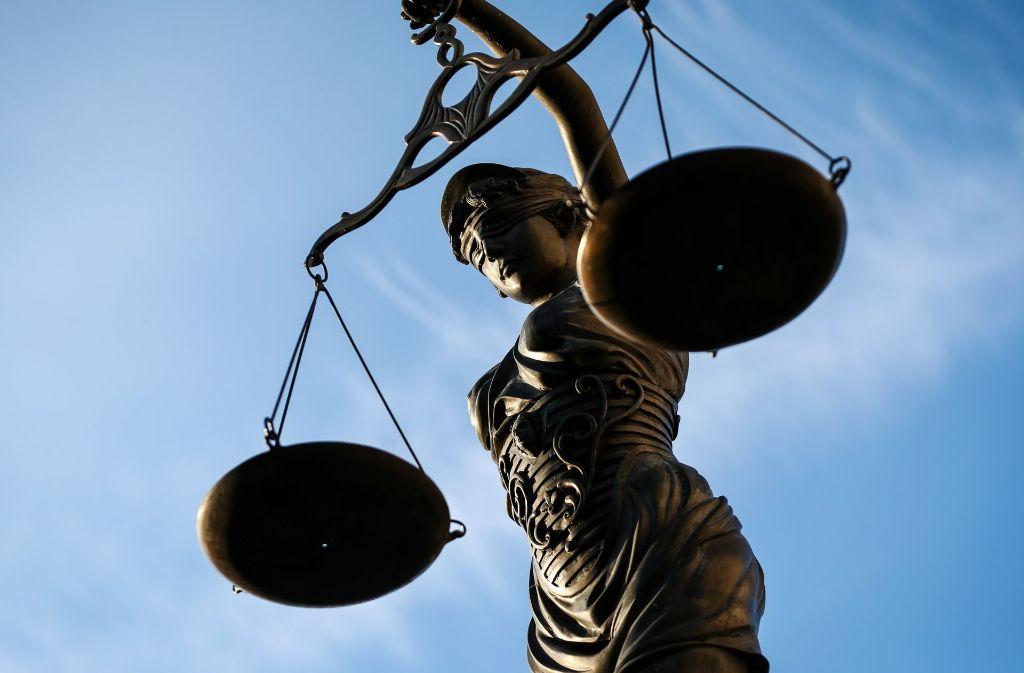 Die Angeklagte argumentierte mit Armut und Cannabis-Konsum um eine mildere Strafe. Foto: dpa