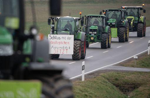 Minister Hauk nimmt Landwirte in Schutz
