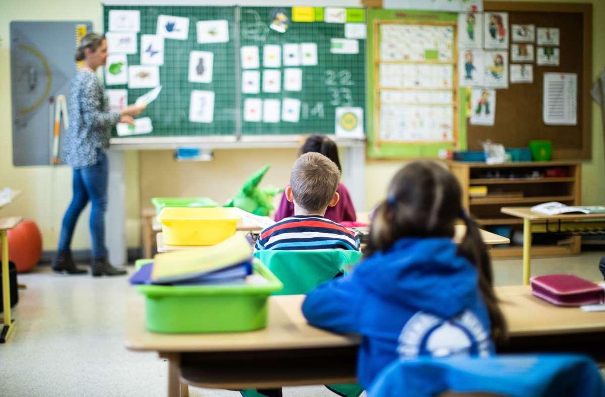 Der Unterricht läuft wieder – kein Grund zum großen Aufatmen. Foto: dpa/Marcel Kusch