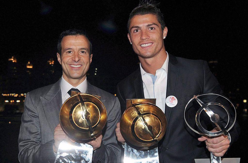 Spielerberater Jorge Mendes (links) mit seinem Schützling und Superstar Cristiano Ronaldo. Foto: