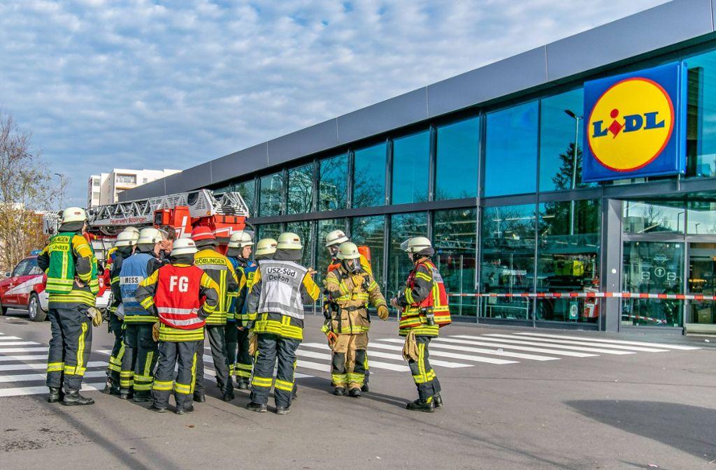 Ein Großaufgebot der Feuerwehr evakuierte eine Lidl-Filiale in Böblingen. Foto: 7aktuell.de/ Gruber