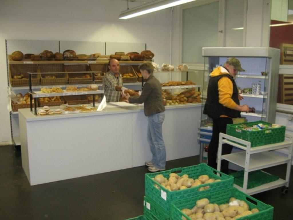 Im Tafelladen können Bedürftige billig einkaufen. Foto: Archiv Jens Noll