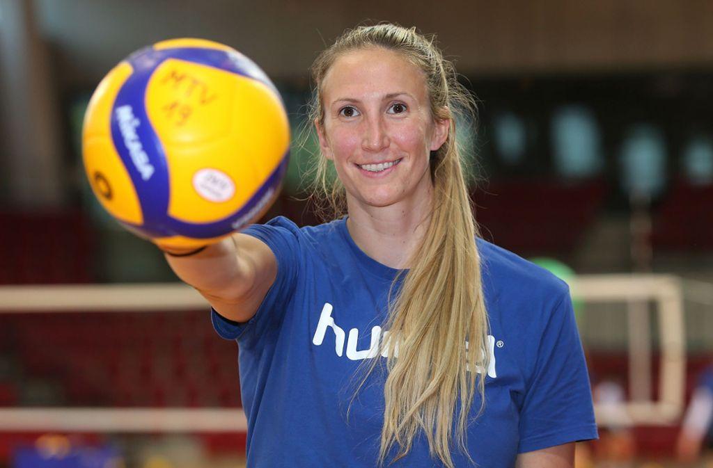 Neuzugang Jennifer Hamson testet am Mittwochabend mit Allianz MTV Stuttgart gegen den VfB Suhl. Foto: Baumann