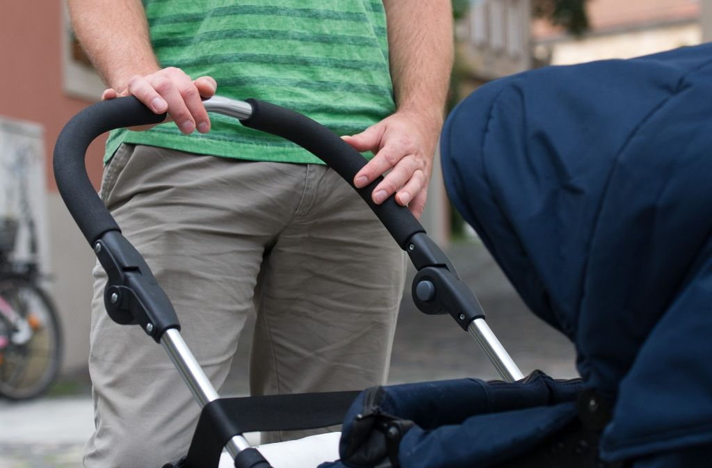 Biologische Väter haben ein Recht darauf, ihren Nachwuchs zu sehen, sagt der BGH. Foto: dpa