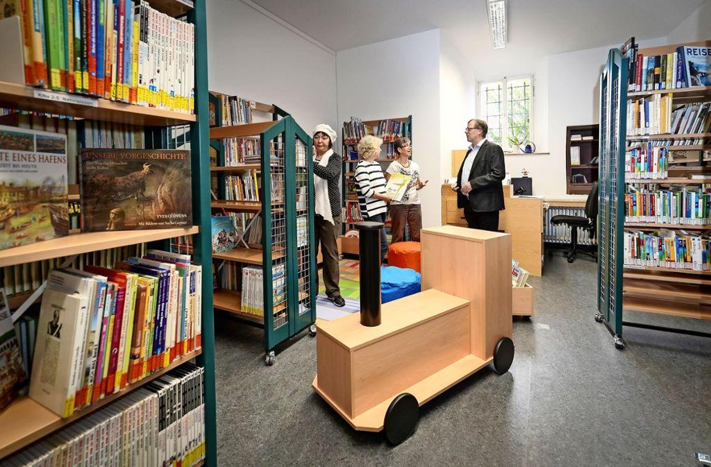 Die neue Leseecke für Kinder ist bunt und einladend gestaltet. Foto: factum/Jürgen Bach