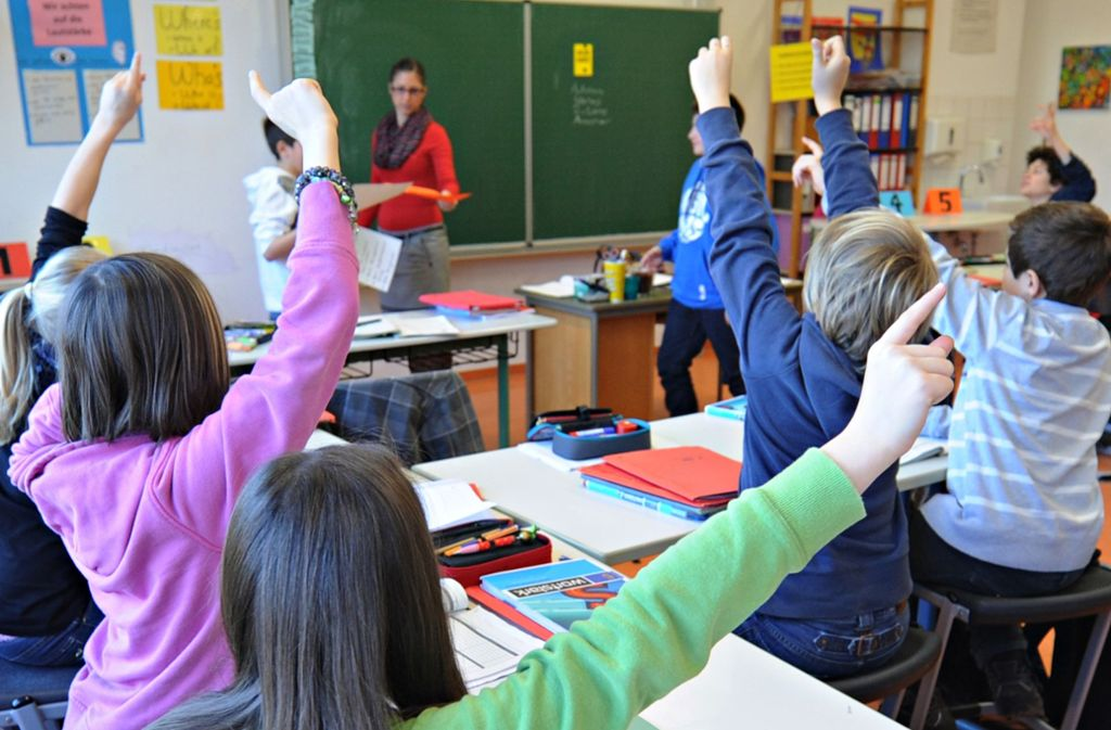 Auf das Schulpersonal entfällt der größte Teil des ausgegebenen Geldes. (Symbolbild) Foto: picture alliance / dpa/Franziska Kraufmann