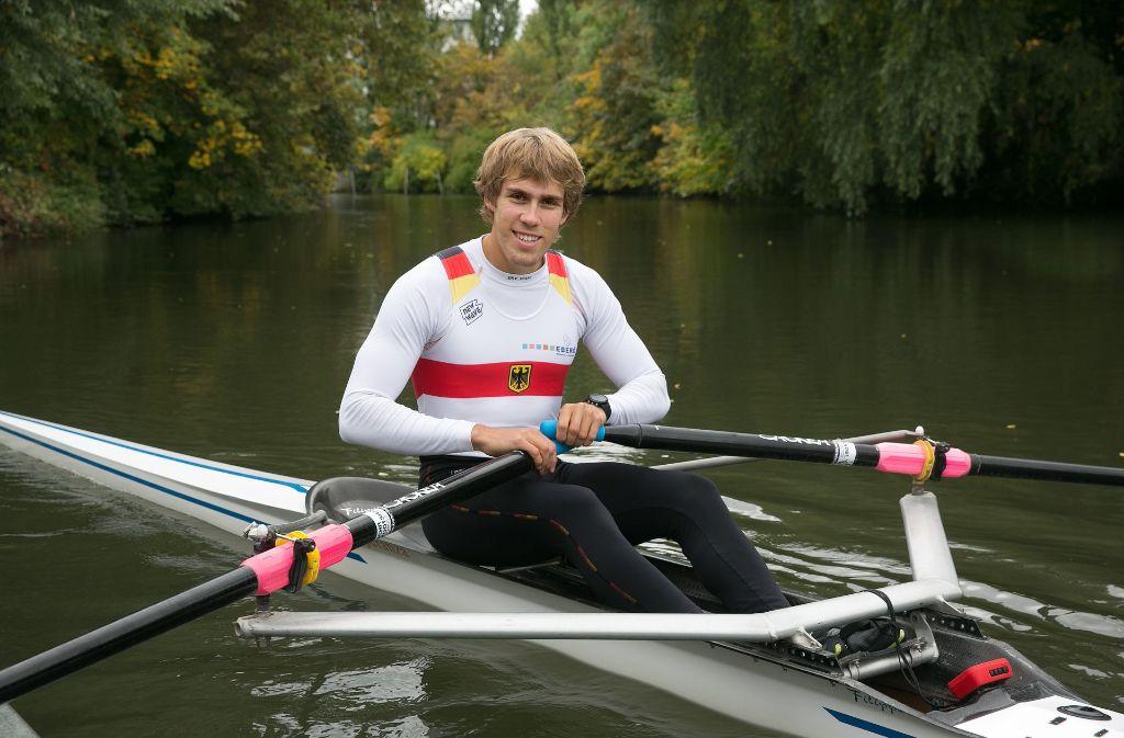 Ruder-Weltmeister Florian Roller trainiert  bei Untertürkheim. Foto: Horst Rudel