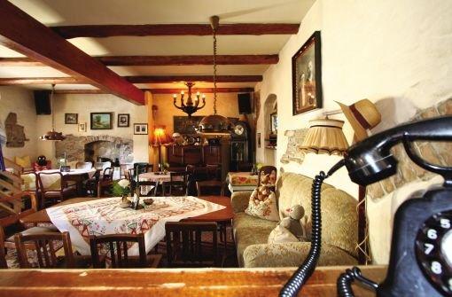 uhr der kaffee ist fertig wer um diese tageszeit im caf europa auf nachtschw rmer trifft. Black Bedroom Furniture Sets. Home Design Ideas