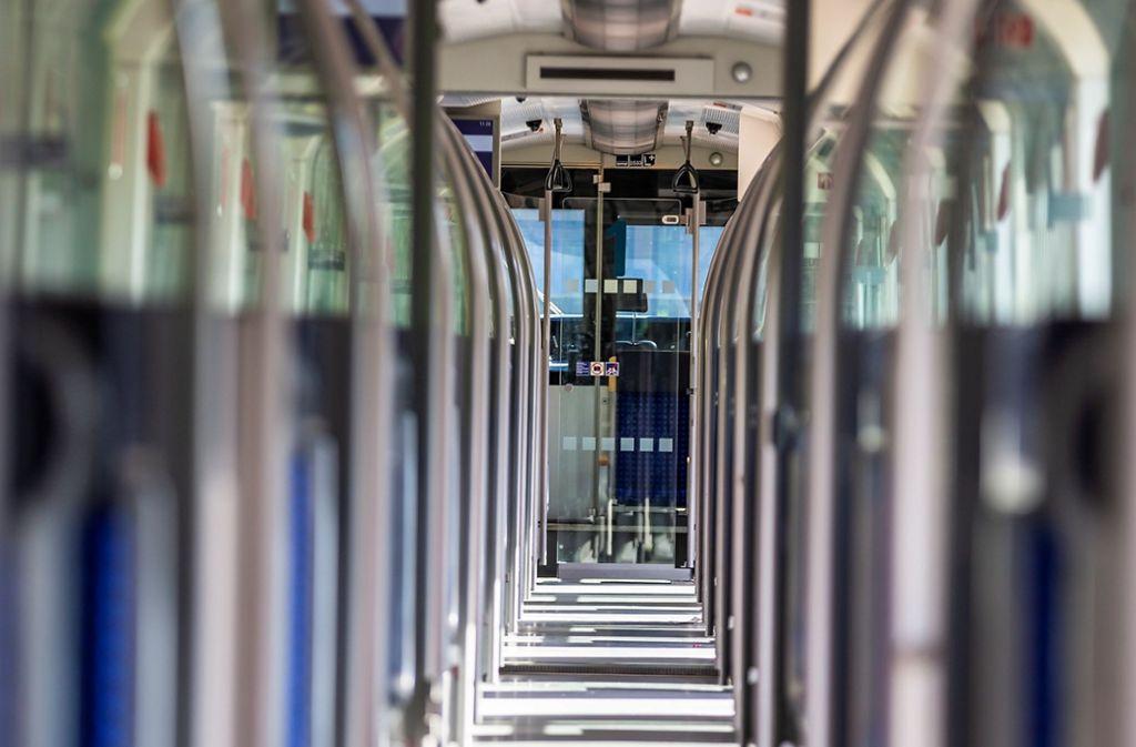 Um 1,9 Prozent sollen die Fahrkarten für Bus und Bahn im nächsten Jahr steigen. Foto: KS-Images.de / Karsten Schmalz/Karsten Schmalz