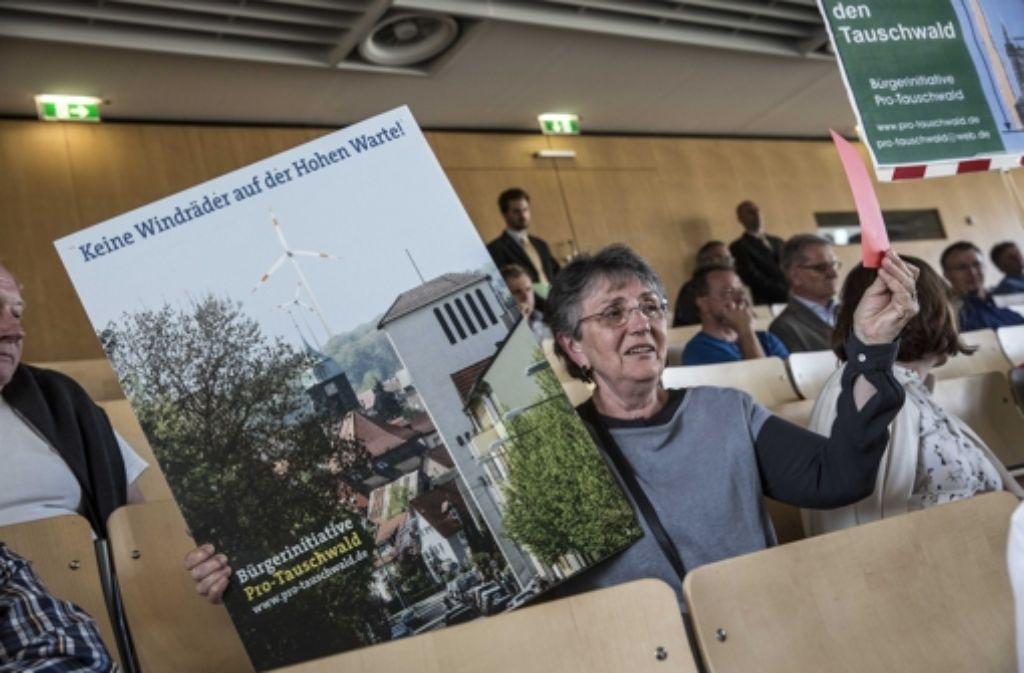 Auch am Rande von Gemeinderatssitzungen in Stuttgart hatte die Bürgerinitiative gegen die Windräder im Tauschwald für ihre Position geworben. Foto: Lichtgut/Leif Piechowski