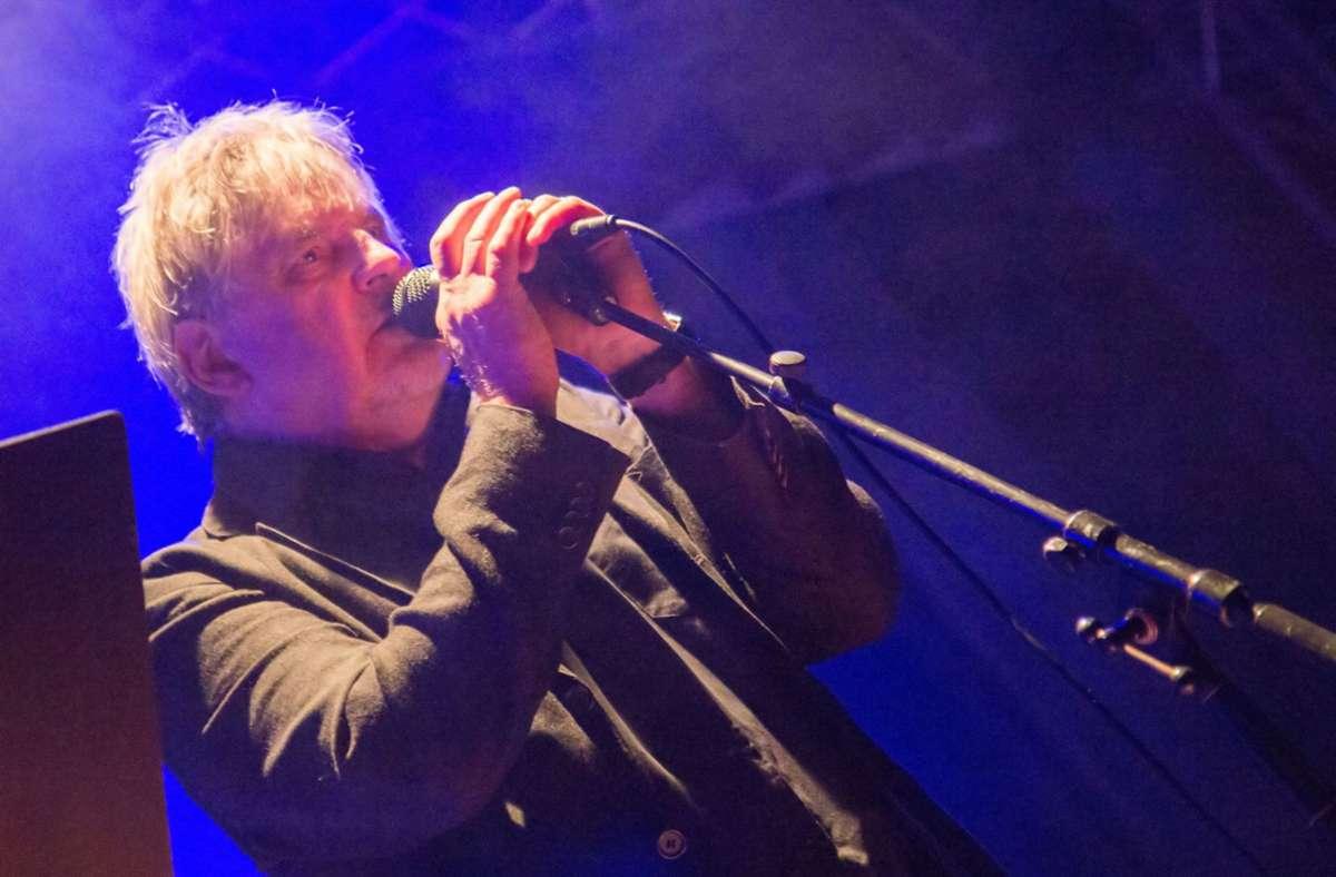 Sänger und Gitarrist Joachim Kupke tritt mit der Band If you wanted to im Odeon  auf. Foto: Otto Stüven/Otto Stüven