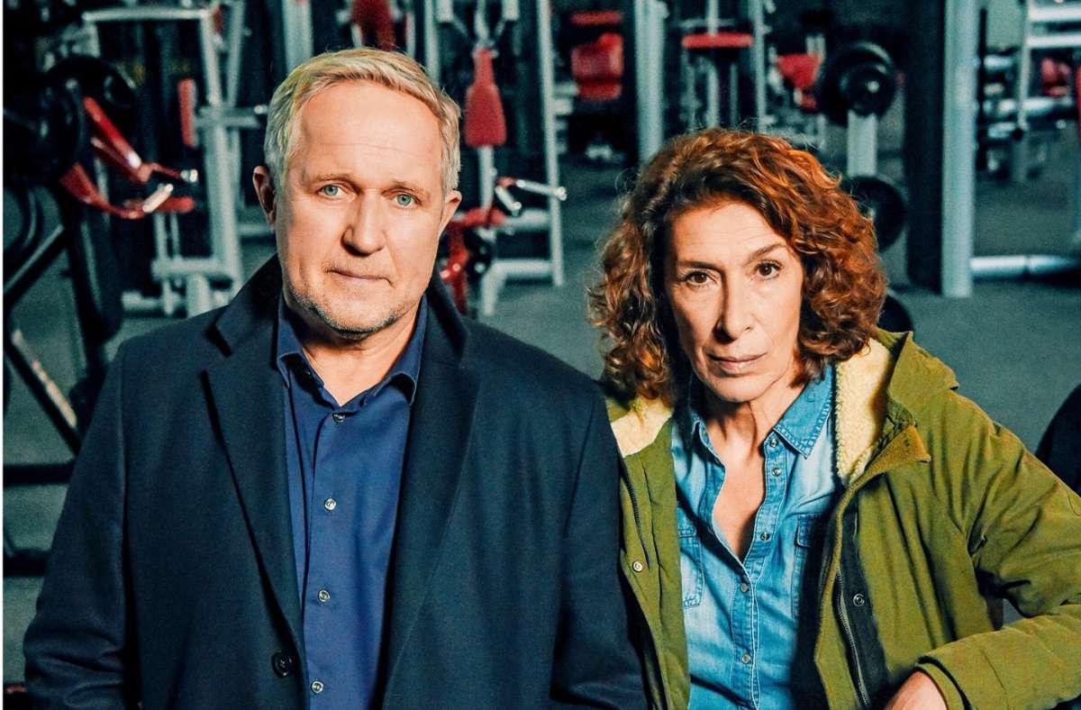 Moritz Eisner (Harald Krassnitzer) und Bibi Fellne (Adele Neuhauser) ermitteln einer Muckibude. Foto: ORF