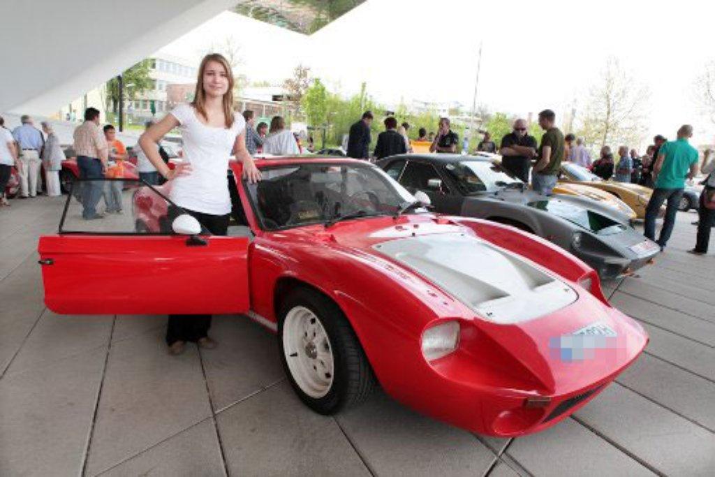 Bonitos sind eine echte Rarität - entsprechend stolz waren die Besitzer am Sonntag, als sie ihre Bausatz-Flitzer vor dem Porsche-Museum in Stuttgart-Zuffenhausen präsentierten. Foto: Beytekin