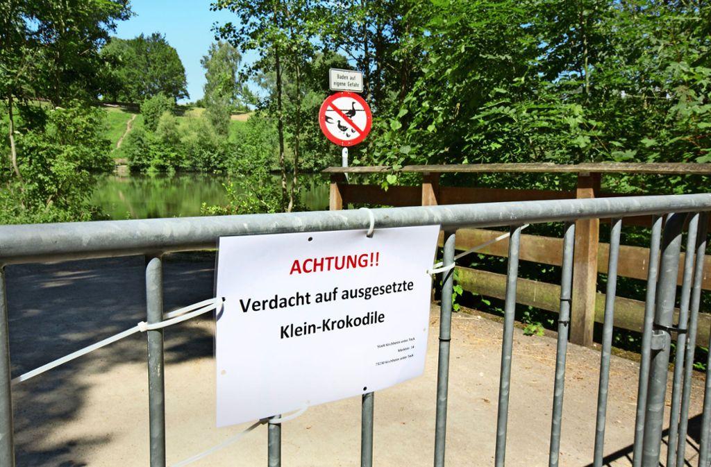 Provisorisch gefertigte Schilder weisen inzwischen auf die Gefahr an den Bürgerseen hin. Foto: Pressefoto Horst Rudel