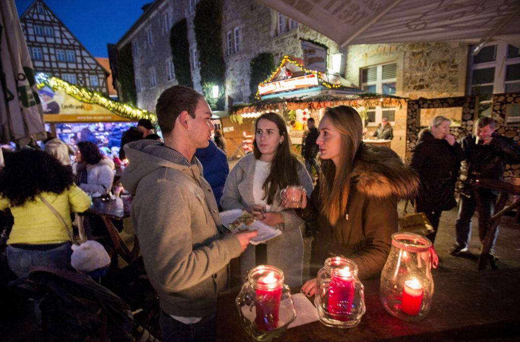 Der Weihnachtsmarkt in Kirchheim findet in diesem Jahr wieder auf dem Martinskirchplatz statt. Foto: Michael Steinert