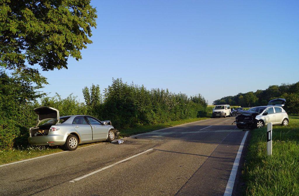 Dort hatte er erst ein Auto gestreift und war dann frontal mit einem weiteren Auto zusammengeprallt. Foto: 7aktuell.de/Franziska Hessenauer