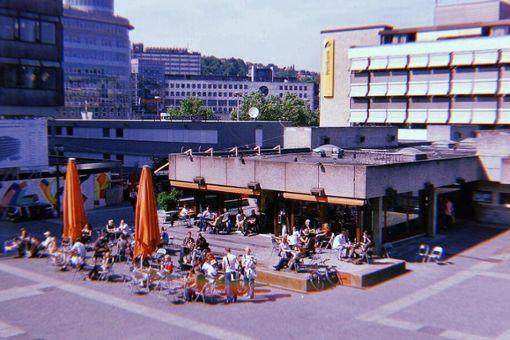 Beim Throwback fällt auf: Die Stuttgarter vermissen einige coole Spots aus den 90ern, wie zum Beispiel Pauls Boutique auf dem Kleinen Schlossplatz.
