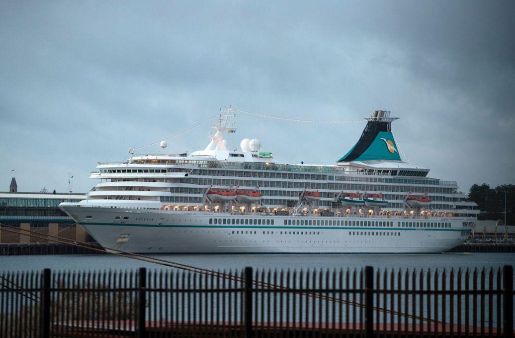 """Das Kreuzfahrtschiff """"Artania"""" liegt derzeit vor Fremantle. Foto: AFP/TONY ASHBY"""
