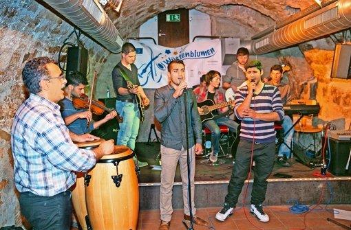 Auf Erfolgskurs: Die Kirchheimer Flüchtlingsband im Probelokal Foto: Horst Rudel