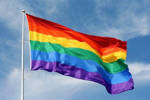 Bedeutung & Geschichte der Regenbogenflagge