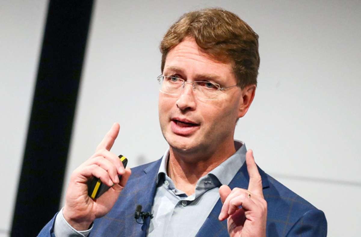 Vorstandschef Ola Källenius stellt die neue Strategie von Daimler vor. Foto: dpa/Christoph Schmidt