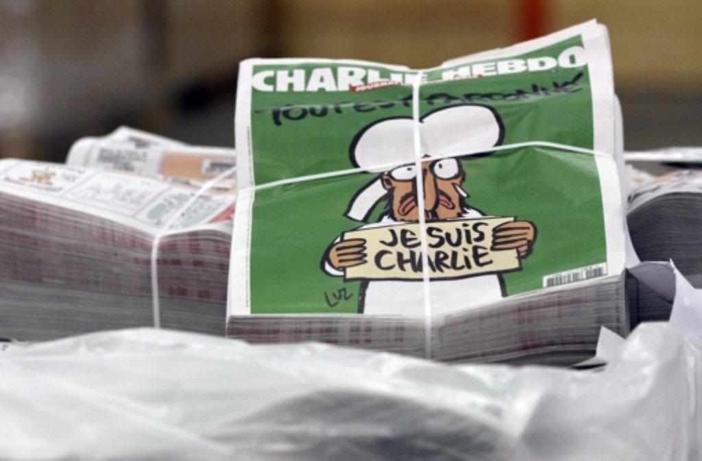 Nachfrage ungebrochen: Nach dem Terroranschlag von Paris setzt sich der Ansturm auf die erste Ausgabe des französischen Satiremagazins Charlie Hebdo fort. Foto: EPA