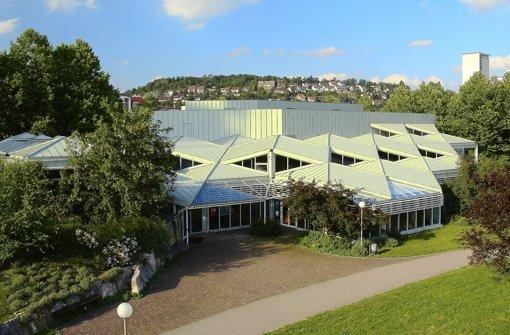 Stadthalle: Defizit trotz Spar-Programm
