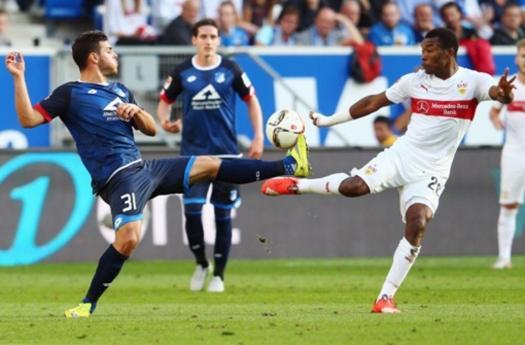 Kevin Volland (l.) von Hoffenheim gegen Serey Dié vom VfB Stuttgart. Foto: Getty Images/Bongarts
