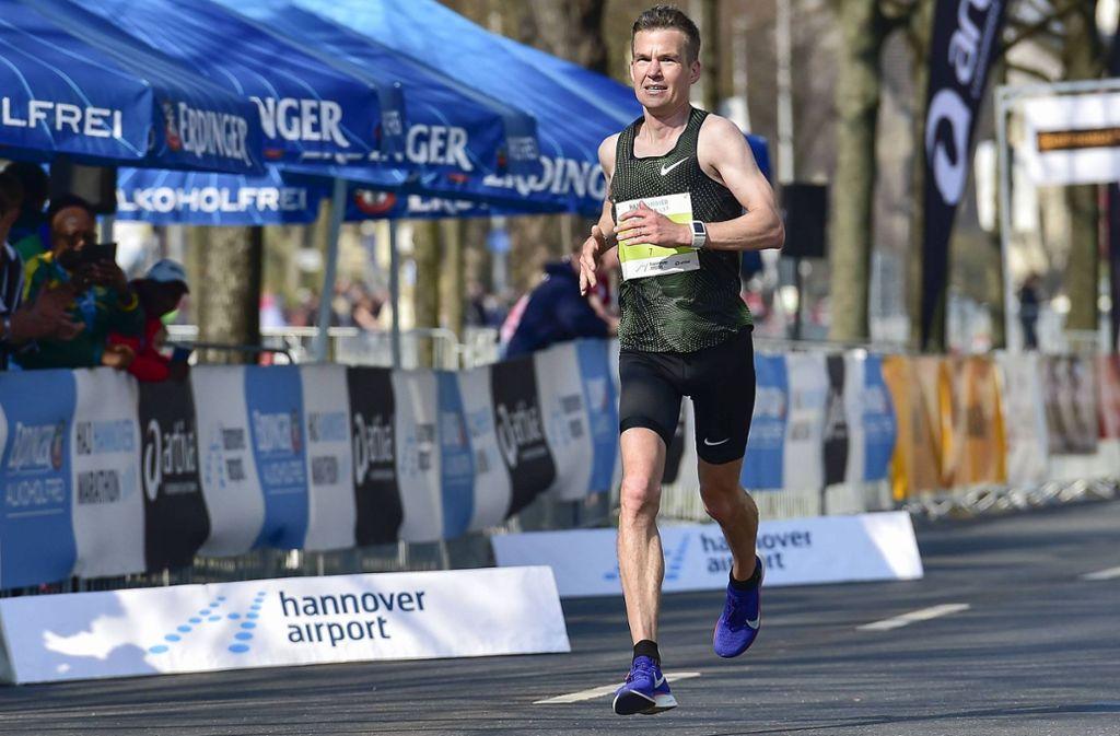 Arne Gabius läuft beim HAJ Hannover Marathon. Foto: imago images / Beautiful Sports/BEAUTIFUL SPORTS/J. Grontzki
