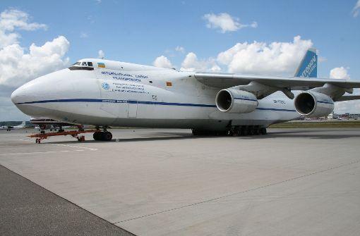 Eines der größten Flugzeuge der Welt landete in Stuttgart