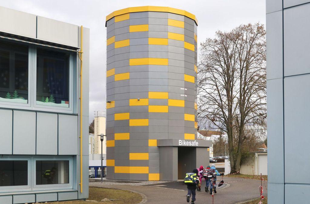 So einen Bike-Tower wie am Schulzentrum Rutesheim plant auch die Duale Hochschule Baden-Württemberg in Stuttgart.  Foto: factum/Granville