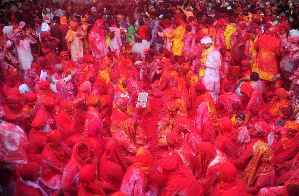 Beim Holi-Fest in Indien und Nepal wird es jedes Jahr farbenfroh, wenn der Frühlingsbeginn gefeiert wird. Foto: Pacific Press via ZUMA Wire