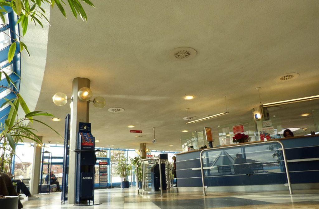 Insgesamt 3,6 Millionen Euro investiert die Stadt ins Leuzebad, ein Großteil  davon in ein modernes Foyer. Foto: