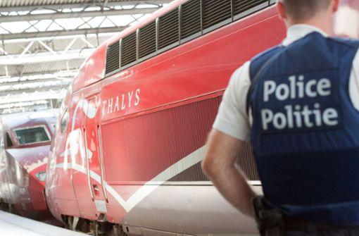 Hunderte Abgeordnete des EU-Parlaments sitzen in Zug fest
