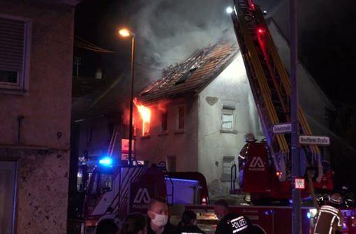Zwei Menschen sterben in den Flammen