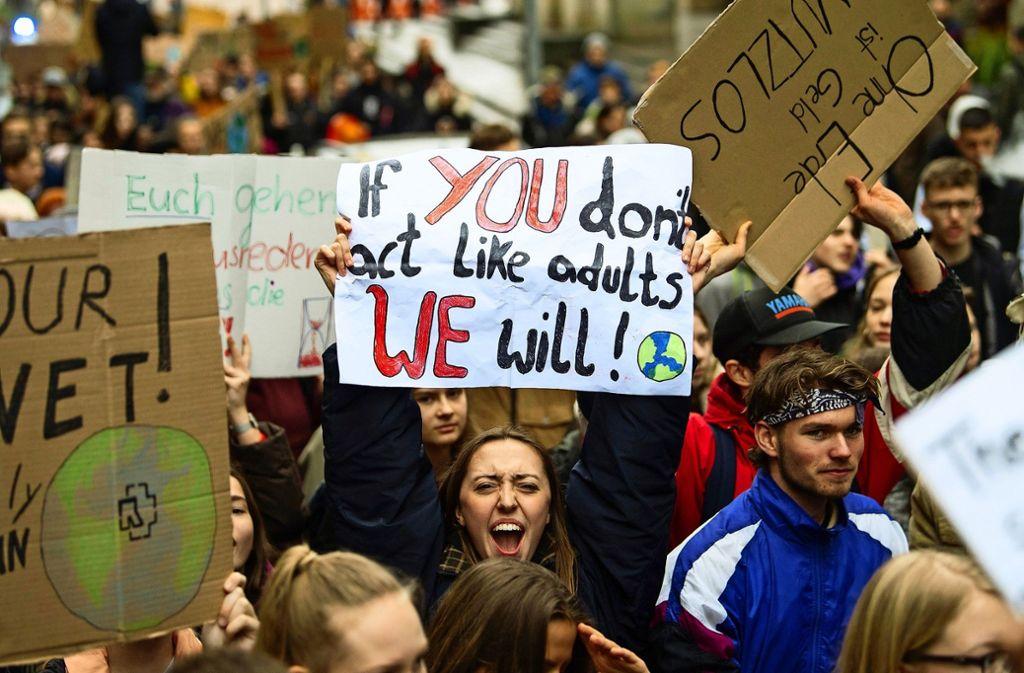 In Stuttgart gehen die Schülerinnen und Schüler regelmäßig auf die Straße – auch an diesem Freitag. Foto: dpa