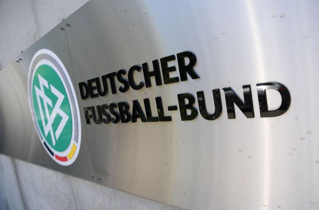 Der Deutsche Fußball-Bund  teilte am Dienstag mit, dass das Länderspiel der deutschen Fußball-Nationalmannschaft in Madrid abgesagt wurde. Foto: dpa/Arne Dedert